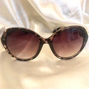 Elle - Tortoise Sunglasses